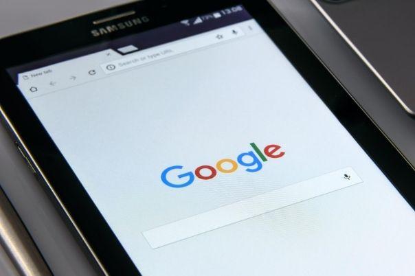 ¿Cómo funcionan las imágenes con licenciamiento de Google?